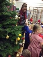 Decorating Christmas Tree (13).jpg