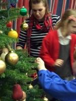 Decorating Christmas Tree (23).jpg