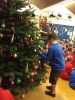 Decorating Christmas Tree (28).jpg