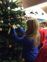 Decorating Christmas Tree (35).jpg