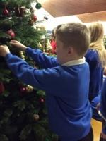 Decorating Christmas Tree (36).jpg
