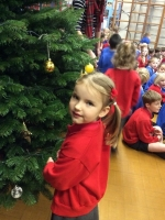 Decorating Christmas Tree (8).jpg