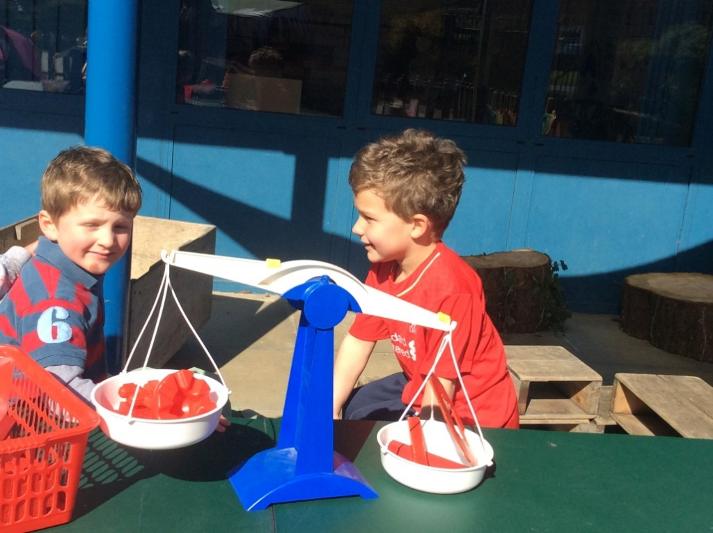 Outdoor Learning in Reception (13)