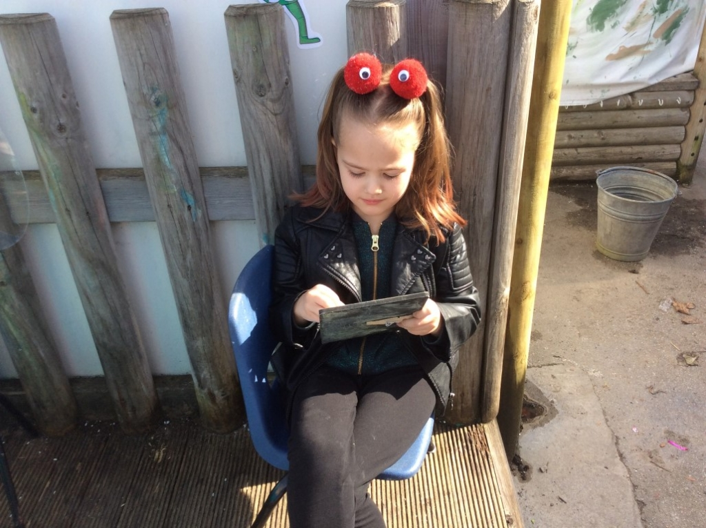 Outdoor Learning in Reception (23)