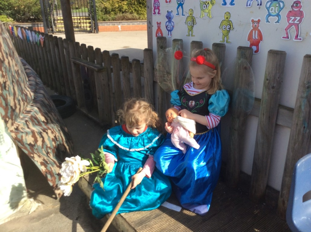 Outdoor Learning in Reception (27)