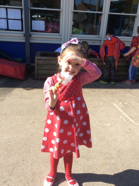 Outdoor Learning in Reception (4)