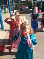 Outdoor Learning in Reception (29)