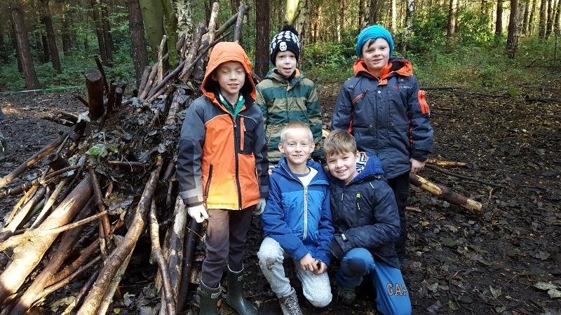 Y4 in the Woods (1).jpg